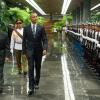 Обама и Кастро си стиснаха ръцете в историческа среща