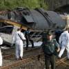 Двама загинали след като пътнически влак дерайлира в Испания