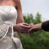 Фамилно име на съпрузите след сключен граждански брак в чужбина