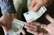В България – 235 Евро, В Испания – 717 Евро