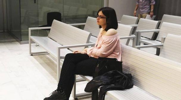 Испания: Затвор за студентка заради шеги в социална мрежа