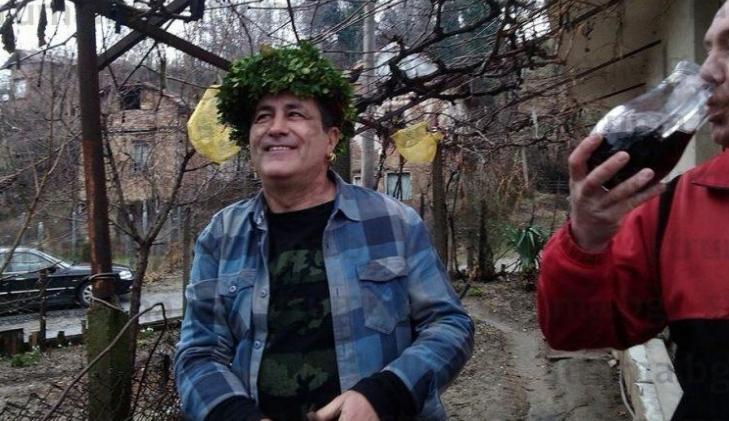 Този испанец скри шапката на всички жители на симитлийското село Крупник