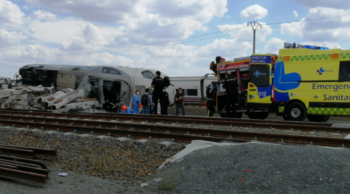 Един загинал и двама тежко ранени във влакова катастрофа в Испания