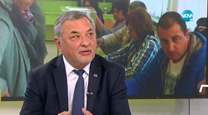 """Валери Симеонов: """"Който иска да гласува, да си хване самолета и да си дойде в България"""""""