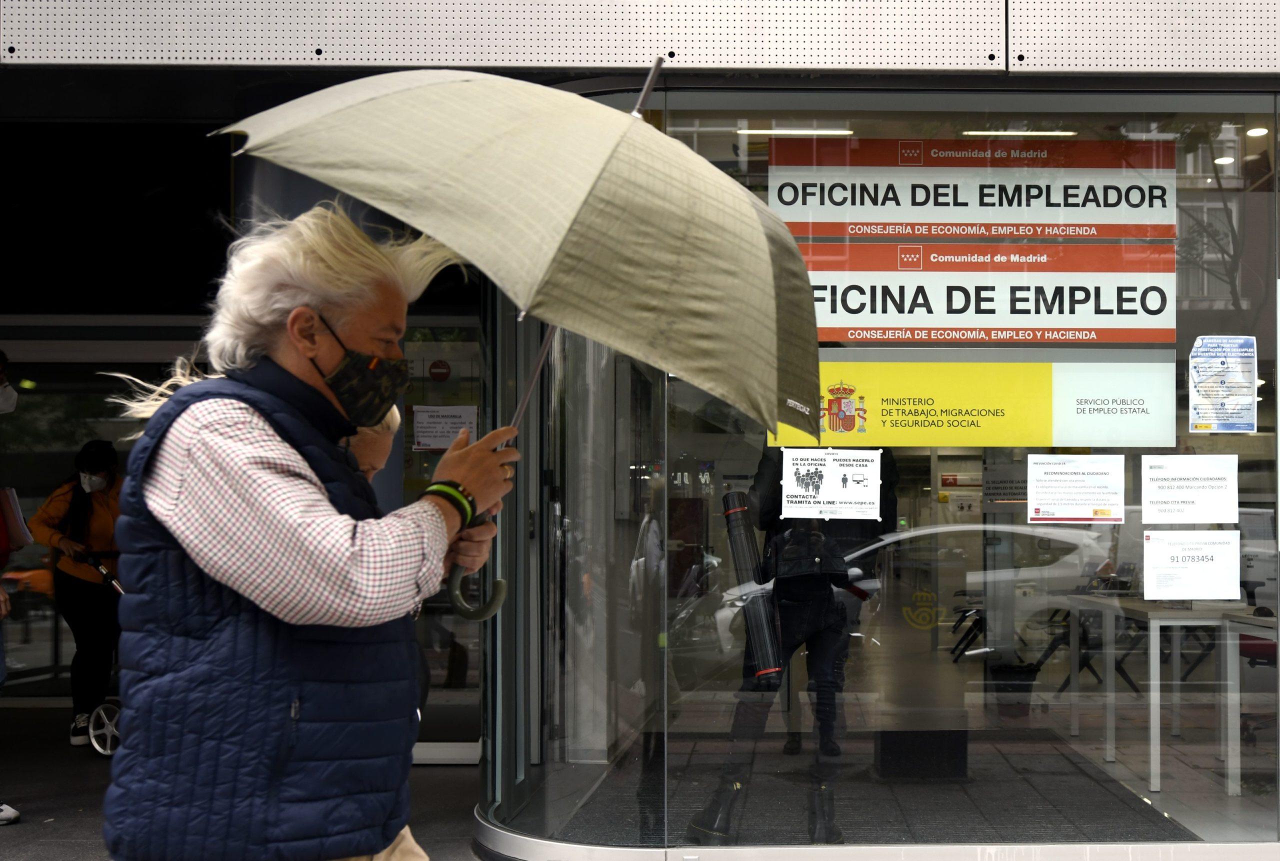 Безработните в Испания са вече над  4 млн. души