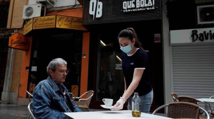Испания отчита скромен ръст за втори пореден месец през юли след срива на икономическата активност през април и май