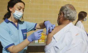 Испания ще поставя трета доза ваксина в домовете за възрастни